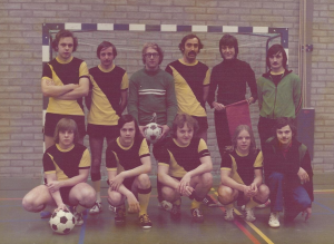 ZVV De Krakers 2e team 76/77
